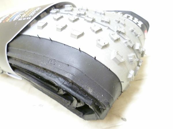 チューブレスタイヤ BULLDOG CX 700x34C グレー/ブラック
