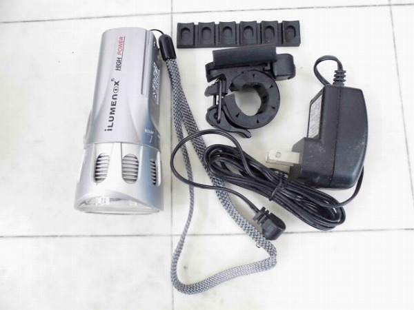 ヘッドライト ILUMENOX SS-L132W