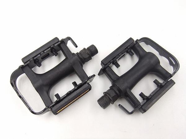 M085 フラットペダル ブラック/シルバー