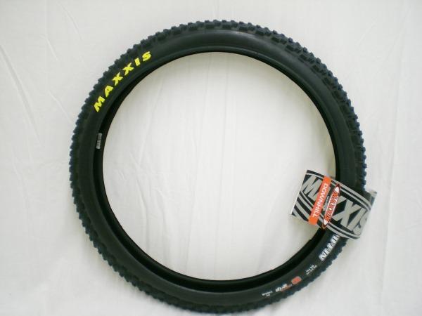 MTBタイヤ グリフィン 26×2.4 ワイヤー 3c マックスグリップ