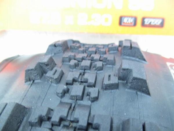 クリンチャータイヤ MINION SS 27.5x2.30(650B)