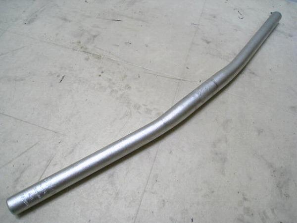 フラットバー 580/25.4mm アルミ シルバー