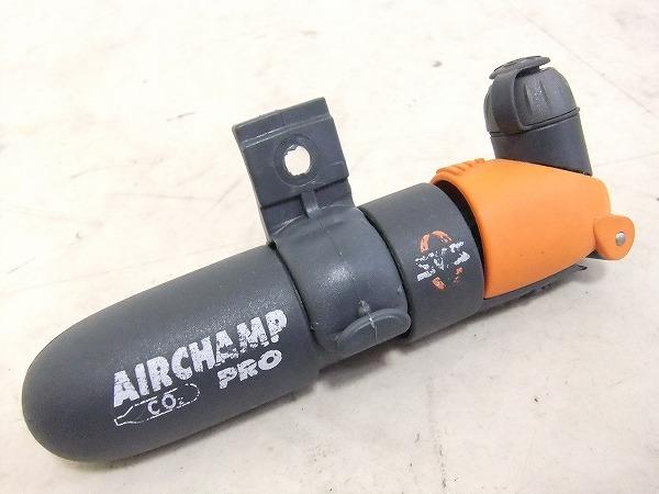 AIR CHAMP PRO 携帯ポンプ CO2ボンベタイプ(付属無)