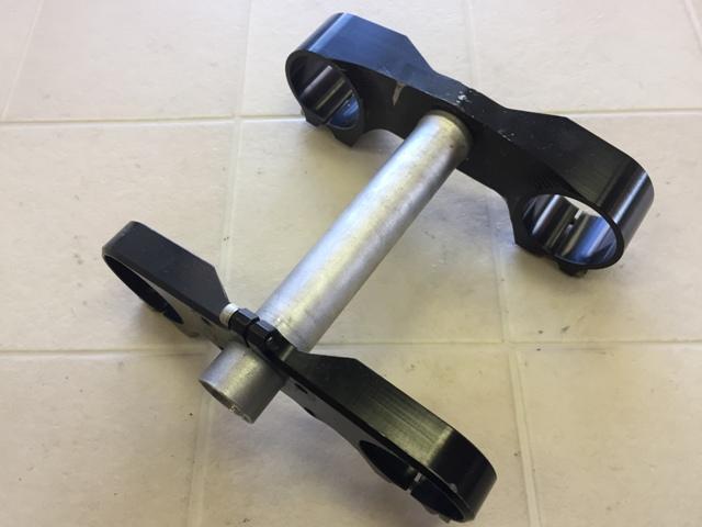 トリプルツリー CNC 28.6/170/48㎜ ブラック
