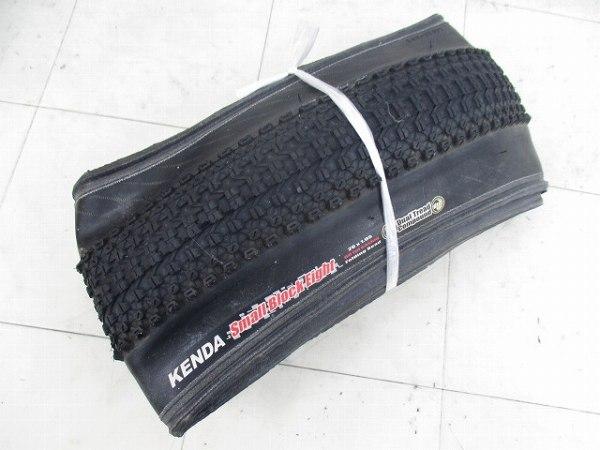 タイヤ SMALL BLOCK EIGHT 26×1.95 ブラック