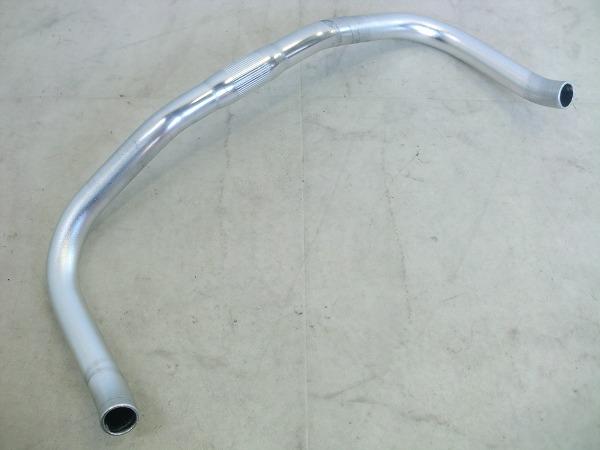 ブルホーンバーハンドル 390(C-C)/25.4mm シルバー