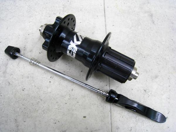 リアハブ TTR 36H シマノフリー 6穴 135mm