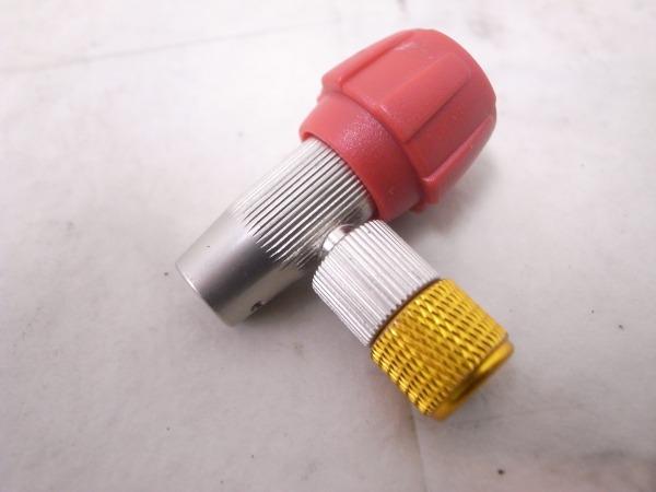 ボンベアダプターヘッド 米/仏式対応 ねじ式