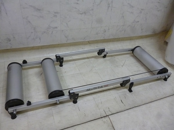 3本ローラー台 Action Mag-Roller
