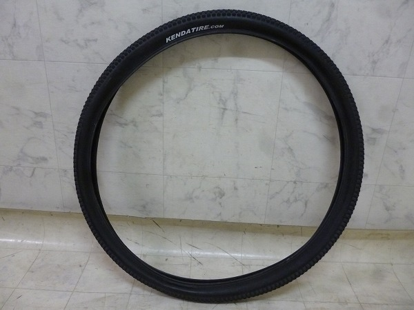 29erクリンチャータイヤ SMALL BLOCK EIGHT 29×2.10