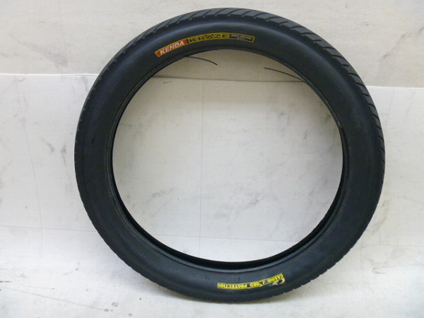 タイヤ KRAZE 20x3.0(68-406)