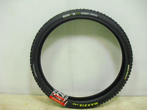 ブロックタイヤ MINION DHF 26×2.50
