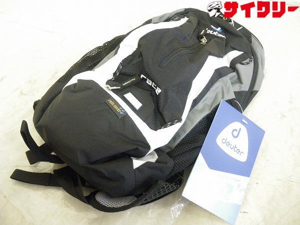 RACE バックパック ブラック/ホワイト 容量:10L