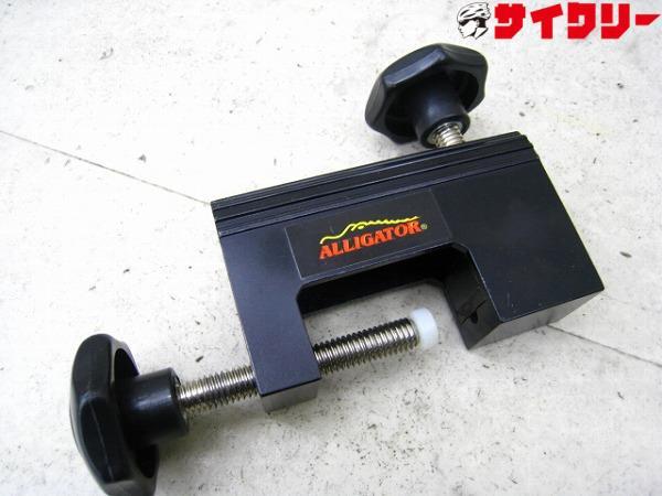 油圧ホースコネクター圧入工具