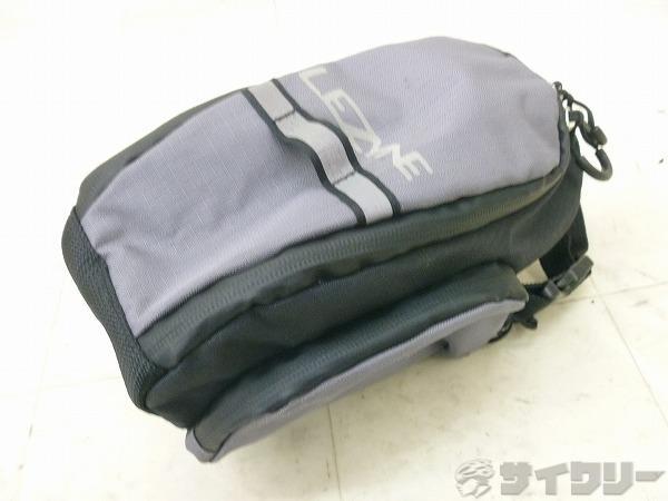 サドルバック XL-CADDY サイズ:140X120X230mm グレー/ブラック