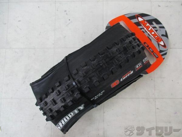MTBタイヤ SHORTY 27.5×2.30 TUBELESS READY