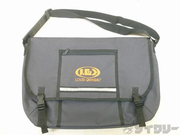 メッセンジャーバッグ サイズ:450mm x 300mm グレー