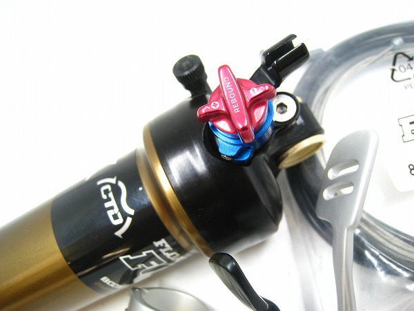 リアサスペンション FLOAT CTD Boost Valve REMOTE 200mm
