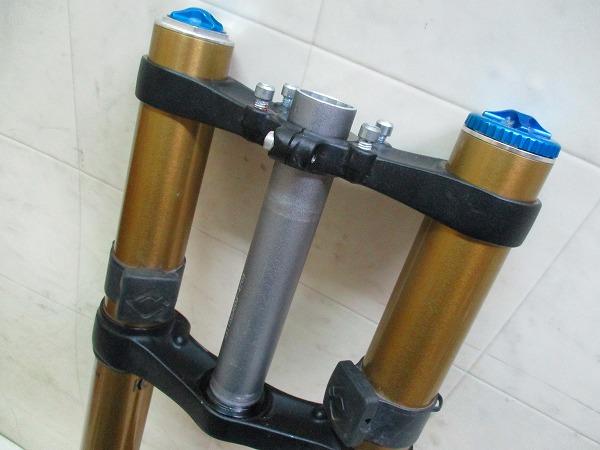 ダブルクラウンフロントサスペンション 40 26インチ 170mm(OS)