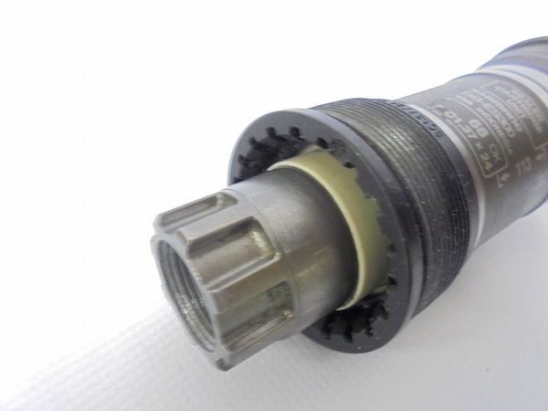 ボトムブラケット BB-ES300 JIS/68mm オクタリンク