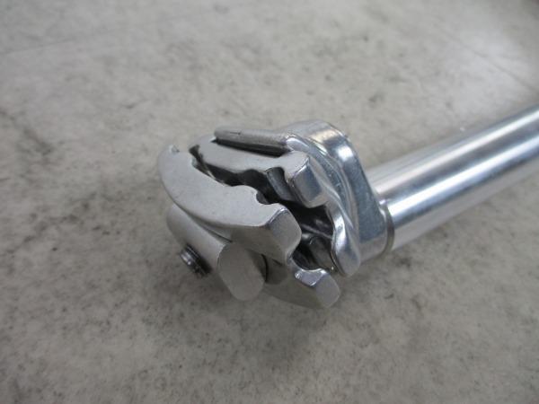シートポスト 約305mm(実測)/27.2mm シルバー