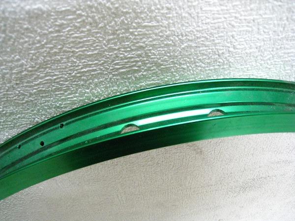 クリンチャーリム 26インチ 36mm 32H グリーン