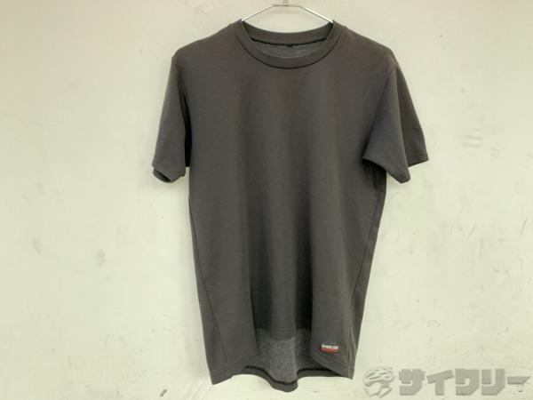 半袖シャツ M-Lサイズ